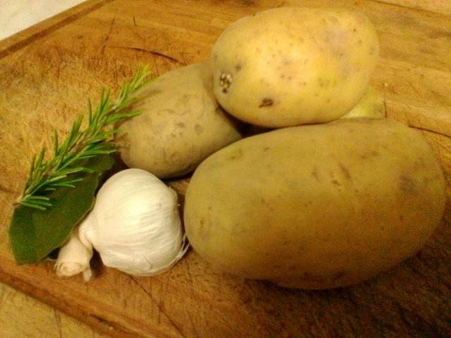 coniglio al forno con patate arrosto
