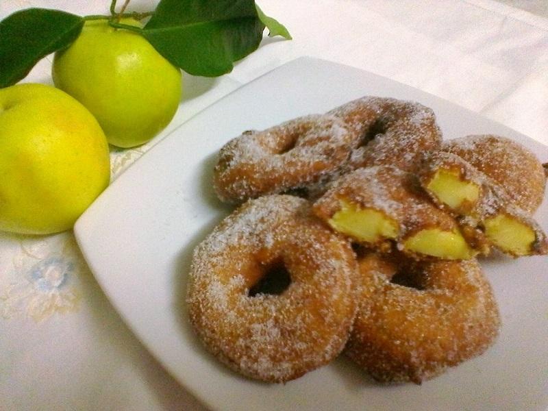Frittelle dolci di carnevale alle mele