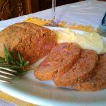 Polpettone con gli avanzi di lenticchie in umido e cotechino,ricetta svuota frigo