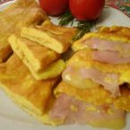 Omelette, ricetta base e farcita prosciutto e formaggio