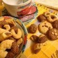 Biscotti bicolore con frolla senza uova e lattosio,facilissimi per la prima colazione