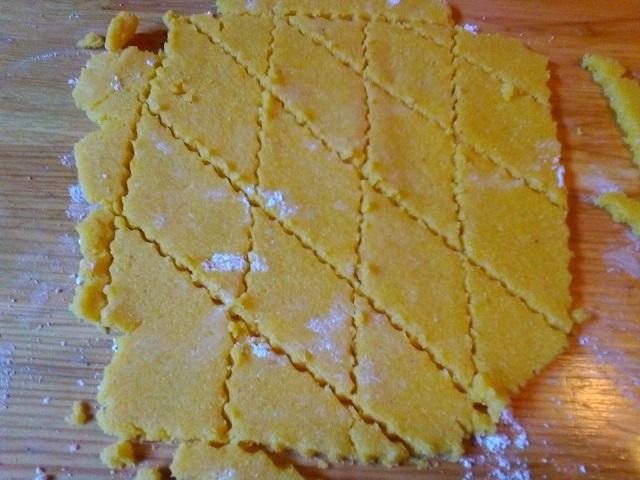 biscotti-di-maisdolcetti-facili-e-veloci-di-carnevale-6