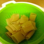 paccheri ripieni alla napoletana con funghi, ricotta e salsiccia