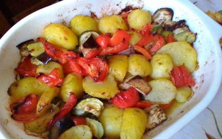 Fantasia di verdure al forno il contorno facile e goloso
